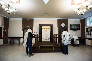 В краснодарской синагоге ©Фото Елены Синеок, Юга.ру