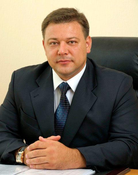 Прежний руководитель Новокубанкого района отсидит 3 года замахинации сземлей