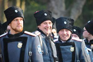В Краснодаре состоялся смотр казаков, которые будут нести патрульную службу в Сочи во время Олимпиады ©Елена Синеок, ЮГА.ру
