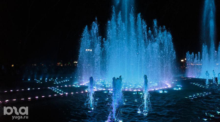 """Открытие комплекса фонтанов у кинотеатра """"Аврора"""" ©Фото Юга.ру"""