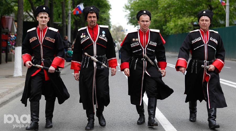 Парад казаков в Краснодаре ©Эдуард Корниенко, ЮГА.ру