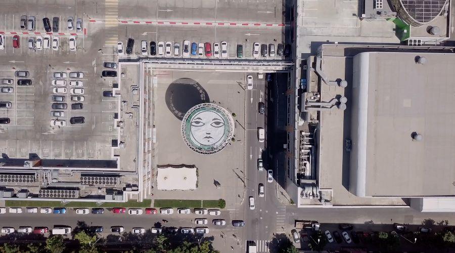 Выставка пермского художника Sad Face в галерее «Вершина культуры» на Шуховской башне в Краснодаре ©Фотография предоставлена организатором выставки художника Sad Face