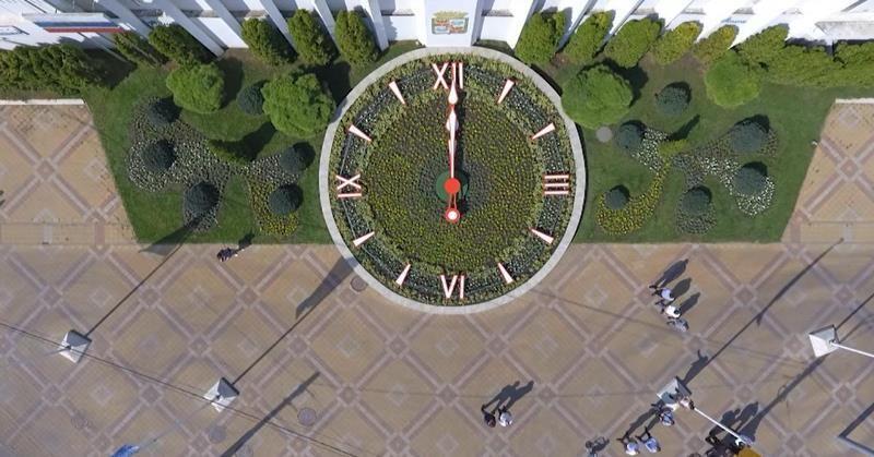 ВДень города вКраснодаре после реконструкции открыли цветочные часы