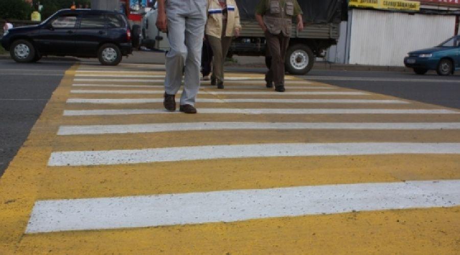 Желтая дорожная разметка, пешеходный переход ©nord-news.ru
