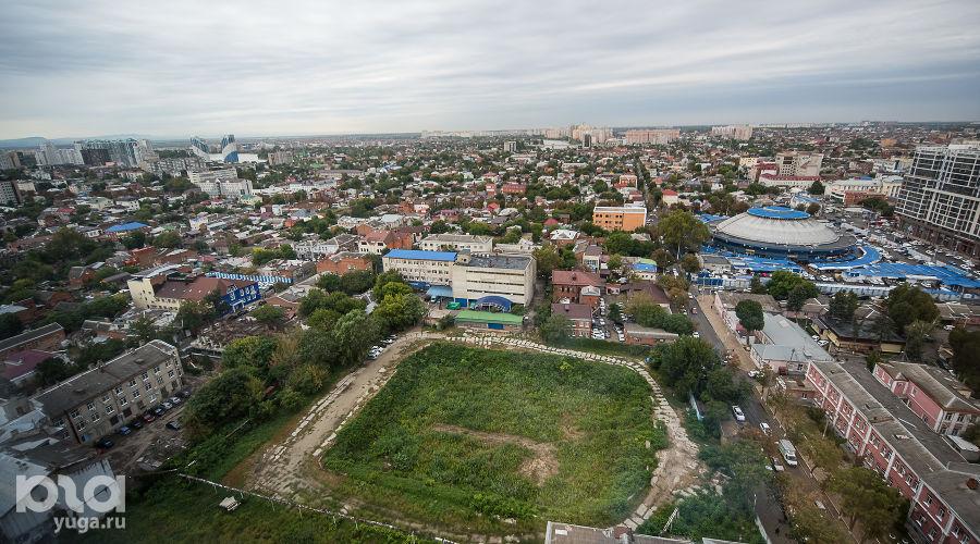 Участок на улице Красной, 101 напротив отеля Marriott ©Фото Елены Синеок, Юга.ру
