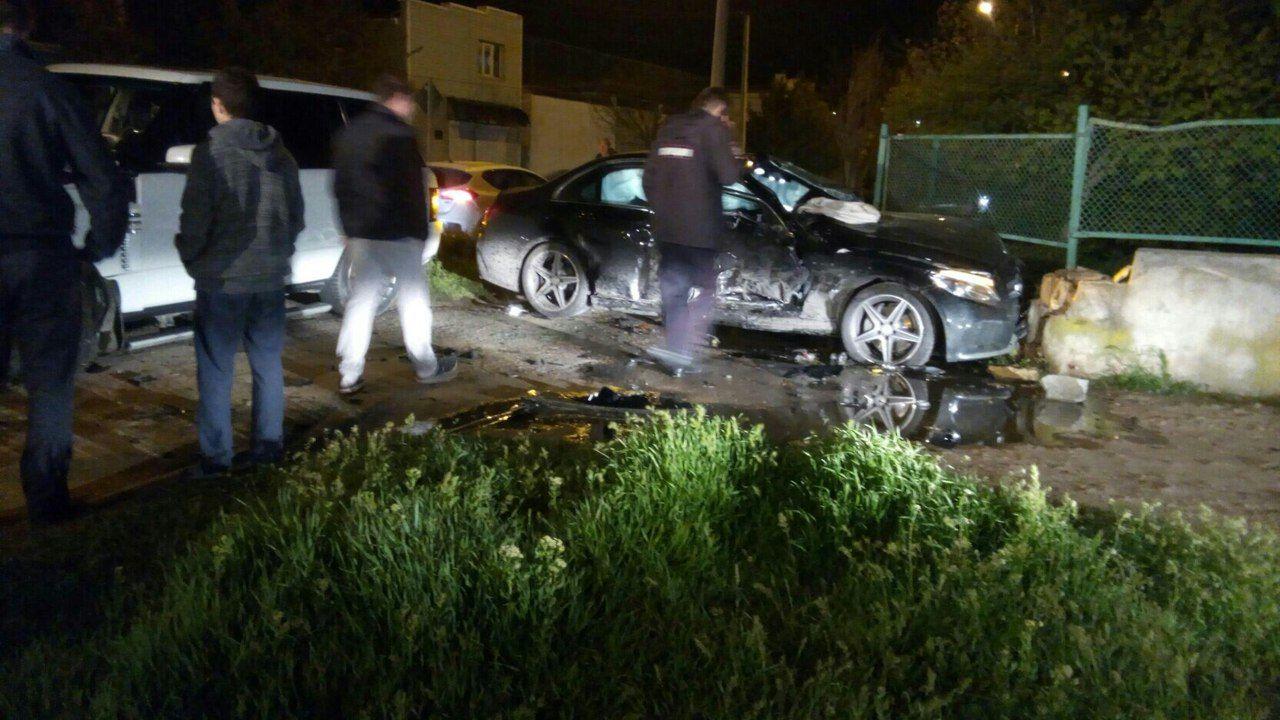 Вночном столкновении Mercedes иRange Rover пострадали подростки