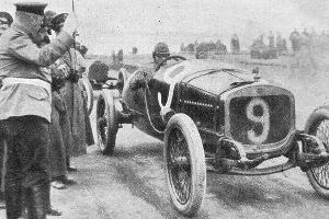 Иван Иванов. Старт Гран-при 1913 года ©Фото из журнала «Нива» №25 за 1913 год, автор неизвестен