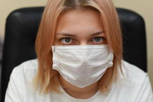 Медицинская маска ©Фото Елены Синеок, Юга.ру