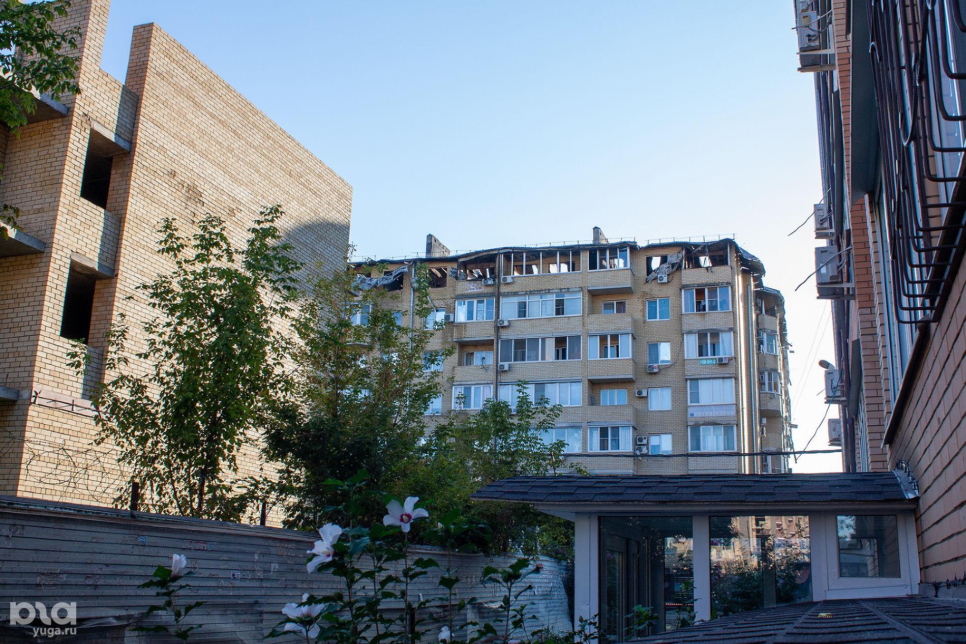 В Краснодаре в ночном пожаре в многоэтажке сгорело 64 квартиры ©Фото Дмитрия Пославского, Юга.ру
