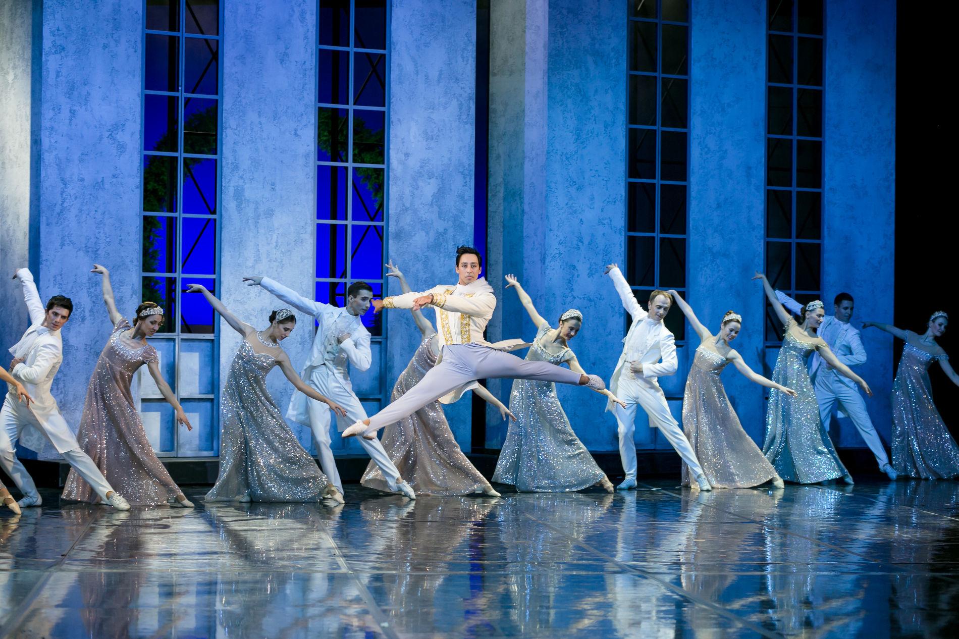 ©Фото Татьяны Зубковой, с сайта ТО «Премьера», to-premiera.com