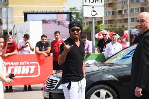 Бразильский футболист Роналдиньо в Краснодаре ©Фото Елены Синеок, Юга.ру
