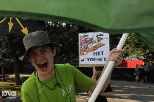 2011 год в фотографиях. Митинг в поддержку Каддафи в Ростове ©http://www.yuga.ru/photo/772.html