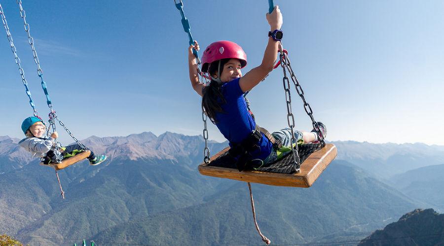 В горы на каникулы! 8 детских развлечений, которые понравятся взрослым