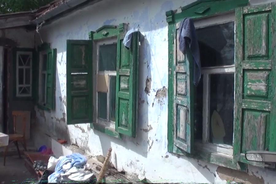 НаСтаврополье чиновники сдали многодетной семье дом струпом