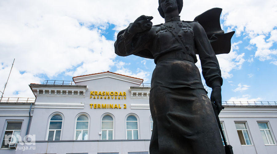 Аэропорт ©Фото Елены Синеок, Юга.ру