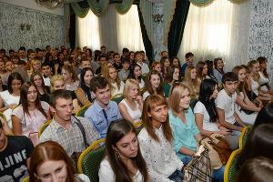 В Краснодарском филиале РЭУ им. Г.В. Плеханова приветствовали первокурсников ©Михаил Ступин, ЮГА.ру