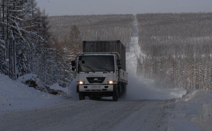 Ставропольские автоинспекторы 4 дня помогали шоферу аварийной фуры