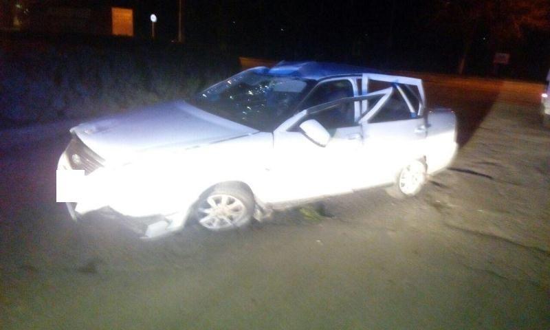 ВСолнечнодольске нетрезвый шофёр «Лады» врезался вклумбу иперевернулся