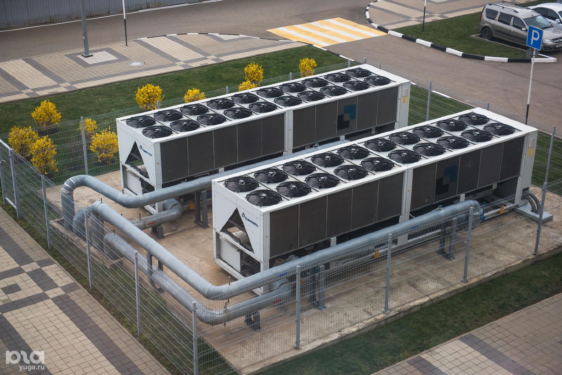 Холодильные установки «Баскет-холла» ©Фото Елены Синеок, Юга.ру