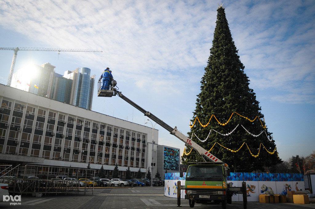 Установку основной елки Краснодара завершат к15декабря