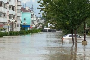 Потоп в Керчи ©Фото из паблика «Керчь.ФМ» во «ВКонтакте», vk.com/kerchfm