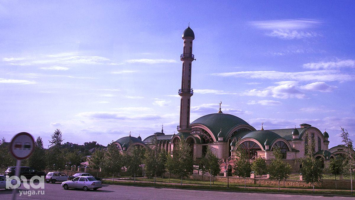 Мечеть в селе Алхан-Юрт по проекту Балауди Магомадова ©Фото Евгения Мельченко, Юга.ру