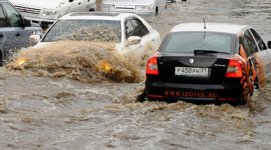 Ливень в Краснодаре ©Михаил Ступин, ЮГА.ру