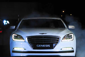 "Презентация EQUUS & Genesis в ""Юг-Авто"" ©Елена Синеок, ЮГА.ру"