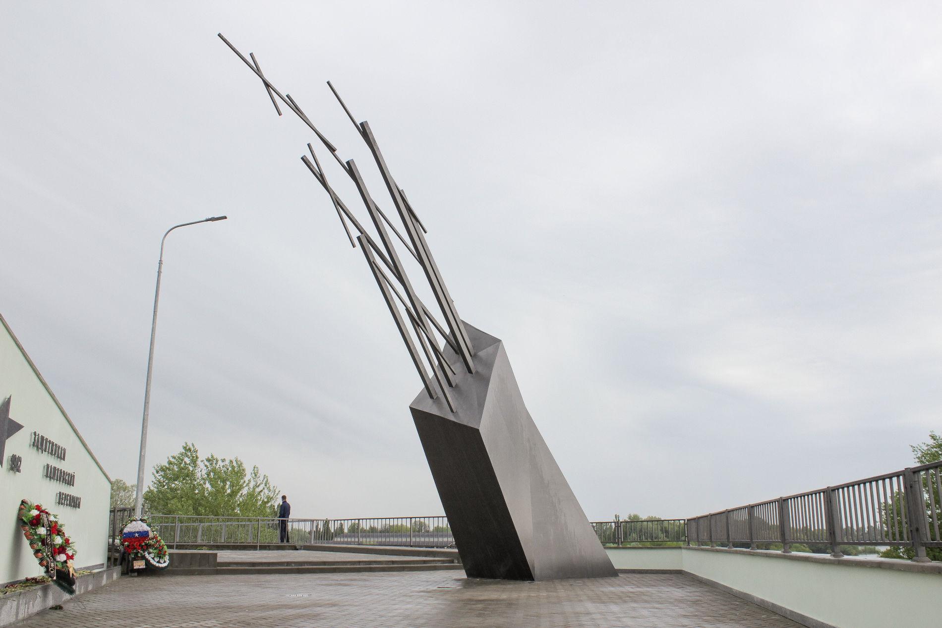 Обязательно поднимитесь на верхнюю площадку мемориального комплекса ©Фото Динара Бурангулова, Юга.ру