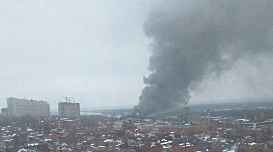 Пожар в центре Ростова ©Фото из группы vk.com/rostovnadonu