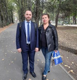 Екатерина Веприкова с адвокатом Фаритом Ахмадуллиным