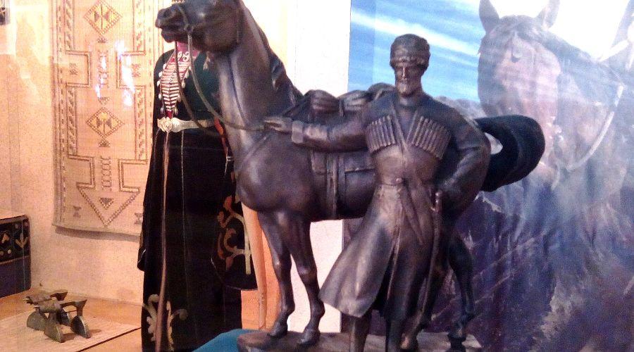 Памятник Кизбечу Шеретлуко ©Фото Юга.ру