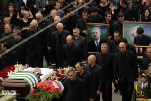 2011 год в фотографиях. Похороны президента Абхазии Сергея Багапша ©http://www.yuga.ru/photo/722.html