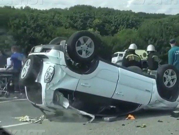ВПятигорске перевернулся джип, пострадал шофёр