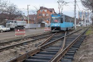 Трамвай на улице Московской ©Фото Дмитрия Пославского, Юга.ру