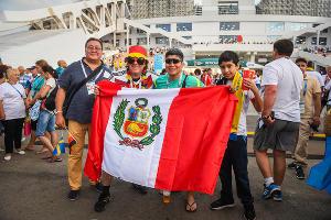 Фанаты Германии и Швеции перед матчем на стадионе «Фишт» ©Фото Елены Синеок, Юга.ру