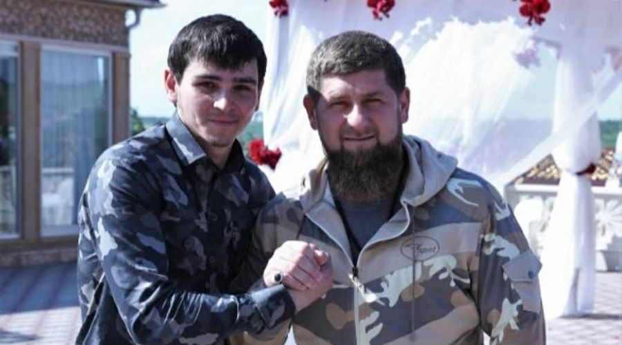 Хасмагомед Кадыров и Рамзан Кадыров ©Фото из аккаунта instagram.com/unk_mvd95
