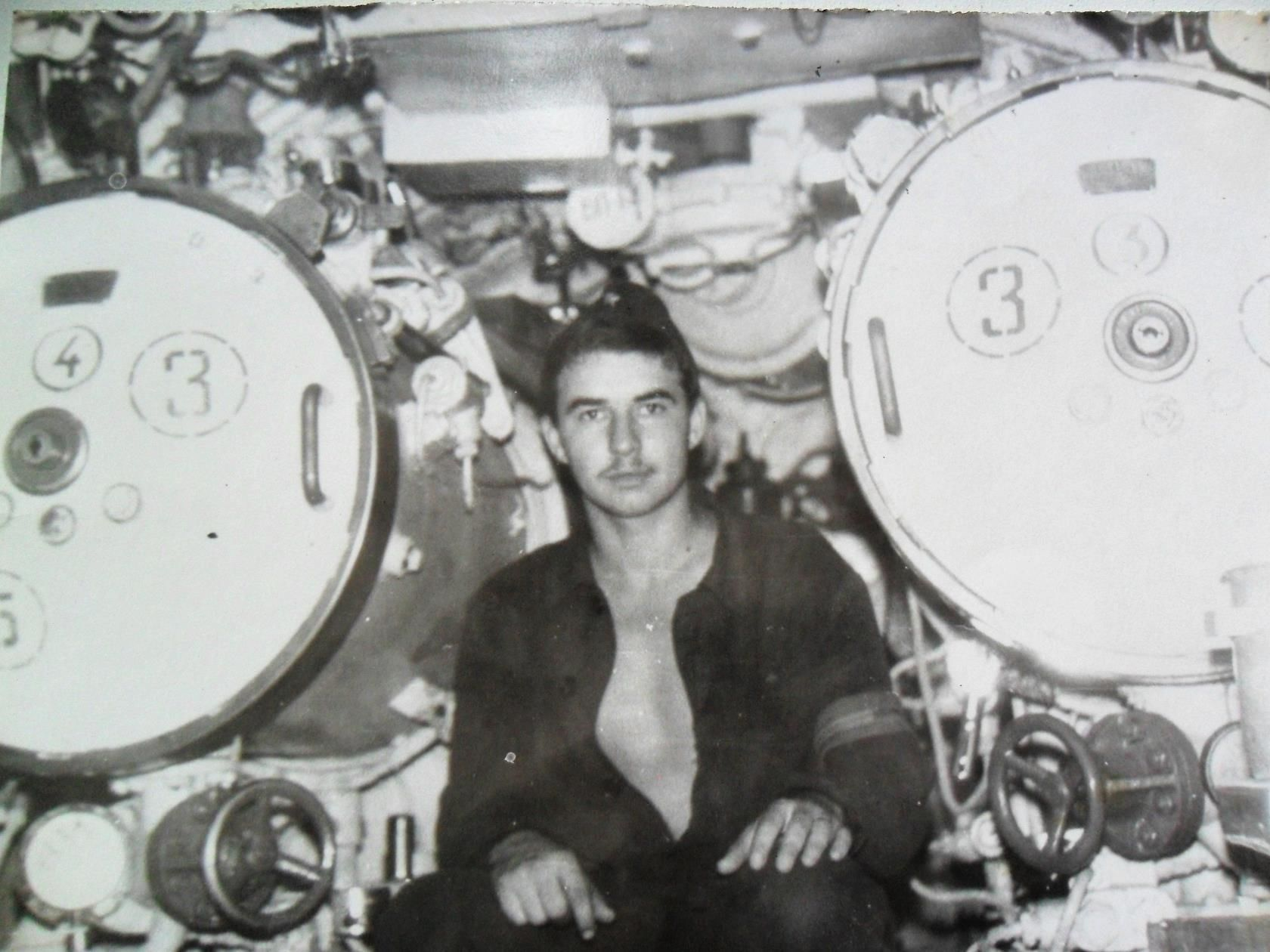 Михаил Васильченко в торпедном отсеке подводной лодки ©Фото из личного архива Михаила Васильченко