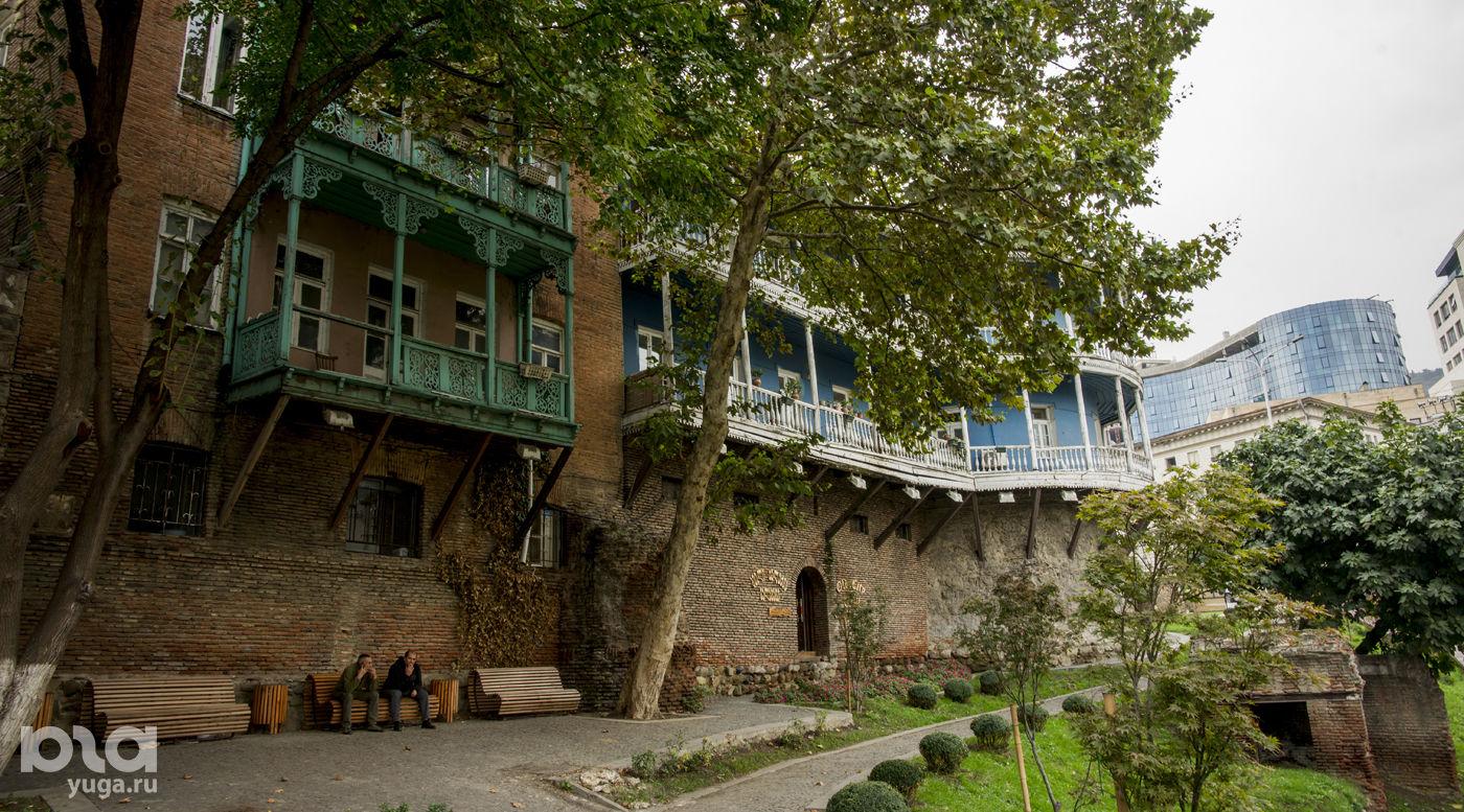 На автомобиле в Грузию. Старый город (центр Тбилиси) ©Фото Евгения Мельченко, Юга.ру