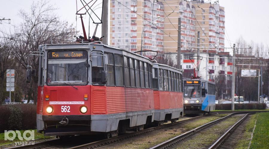 Трамвай модели 71-605 Усть-Катавского вагоностроительного завода ©Фото Елены Синеок, Юга.ру