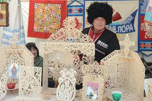 """Выставка-ярмарка """"Кубанские народные промыслы и ремесла"""" ©Фото Юга.ру"""