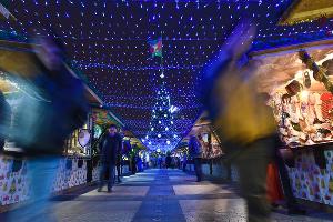 Новогодняя ярмарка в Краснодаре ©Фото Елены Синеок, Юга.ру