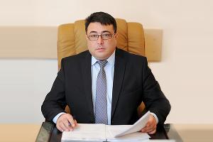 Рустем Тлишев ©Фото с сайта filarmoniya-ra.ru
