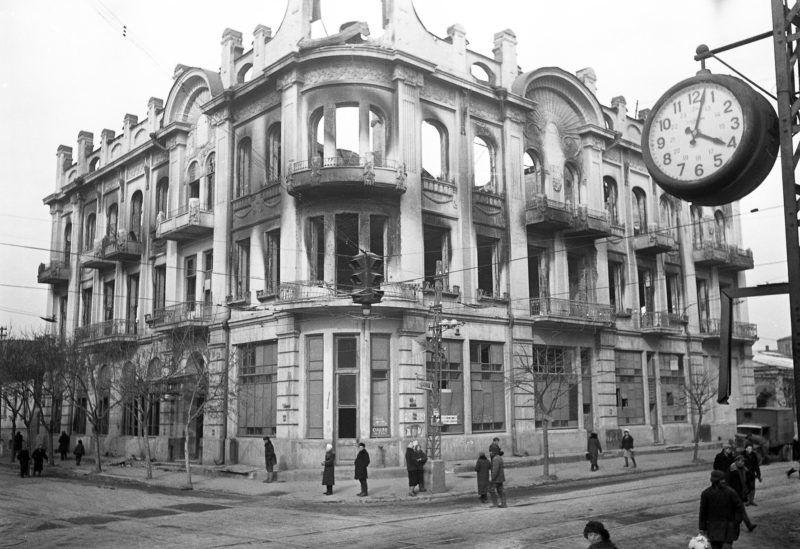 Перекресток улиц Красной и Мира, 1943 год ©Фото с сайта wwii.space