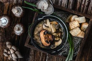 Суп из утки с грибами ©Фотография предоставлена пресс-службой ресторана «Розмарин»