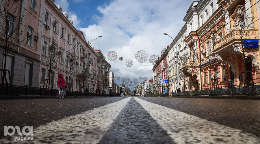 Центр Краснодара — улица Красная  ©Фото Елены Синеок, Юга.ру