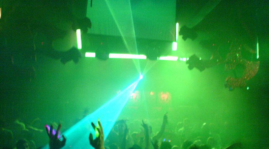 Нахождение несовершеннолетних в ночном клубе москва детский клуб май