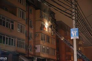 ©Пожар в самострое на улице Прокофьева в Краснодаре. Фото Виталия Тимкива, Юга.ру