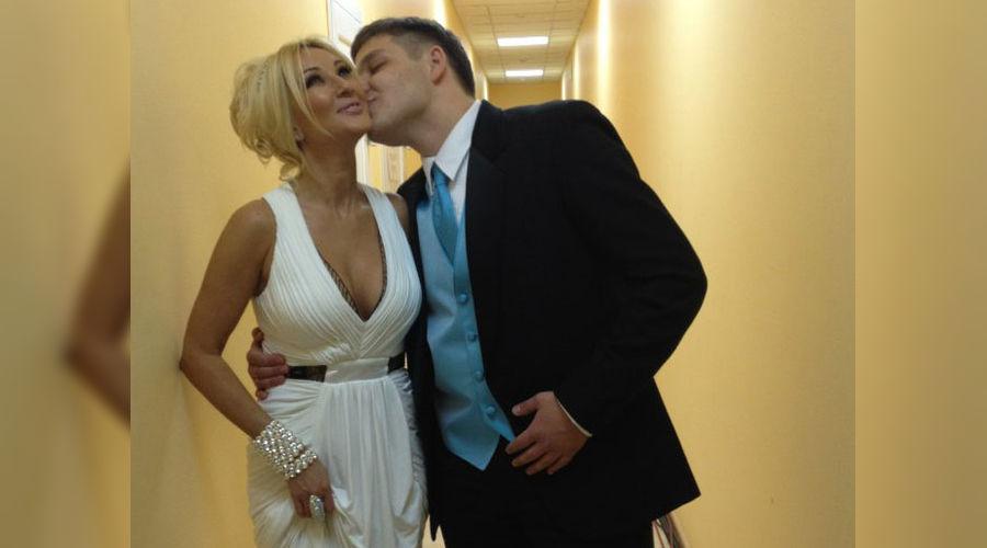 Степан Ремезков и певица Лера Кудрявцева ©Фото Юга.ру