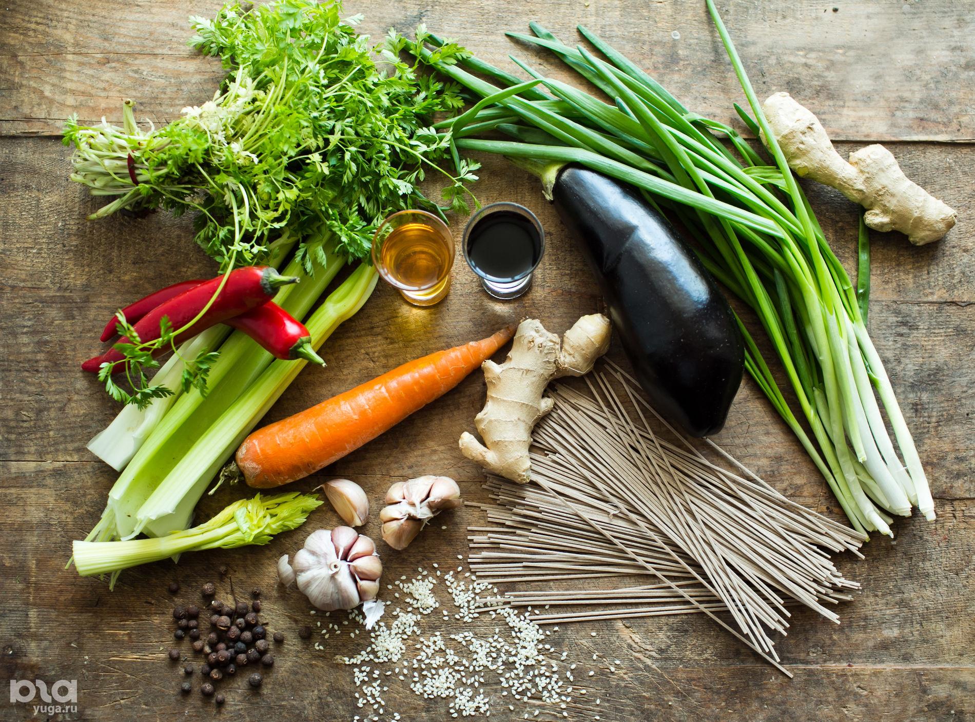 Ингредиенты для приготовления гречневой лапши с овощами ©Фото Анны Голубцовой